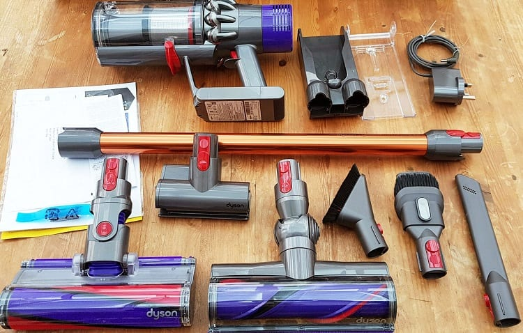 clean parts of dyson cleaner