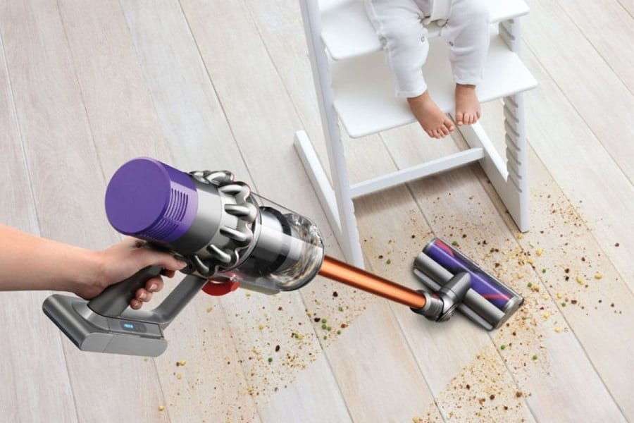 How To Clean And Maintain The Dyson Cyclone V10 2