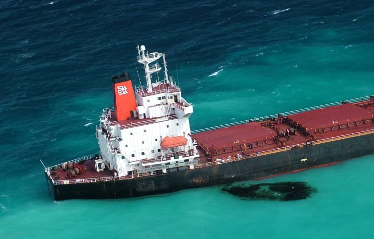 oil leaking from boat